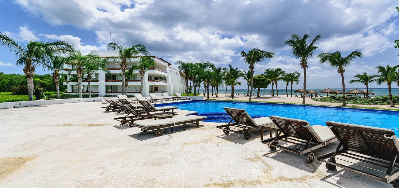 Beachfront Residencias Reef 8180 2 Bedroom Unit