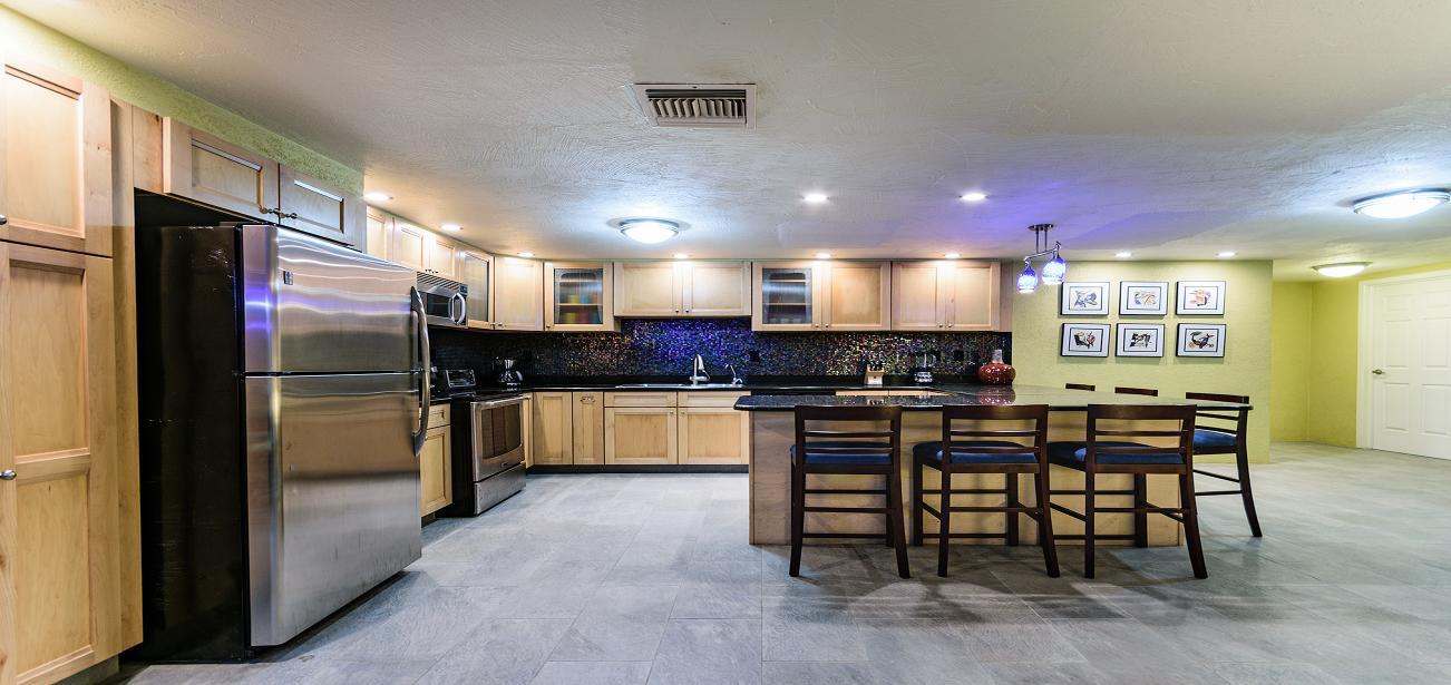 Vista Azul With Modern Kitchen