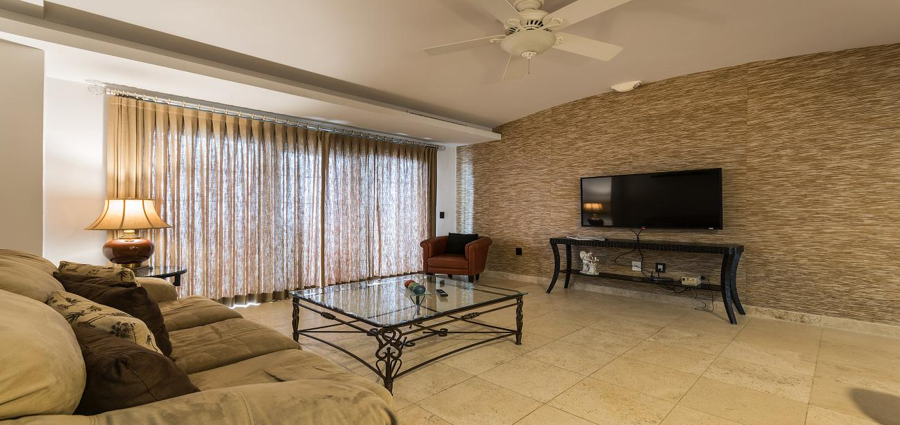 Mansion Cuatro 9AN-4 with Spacious Living Room