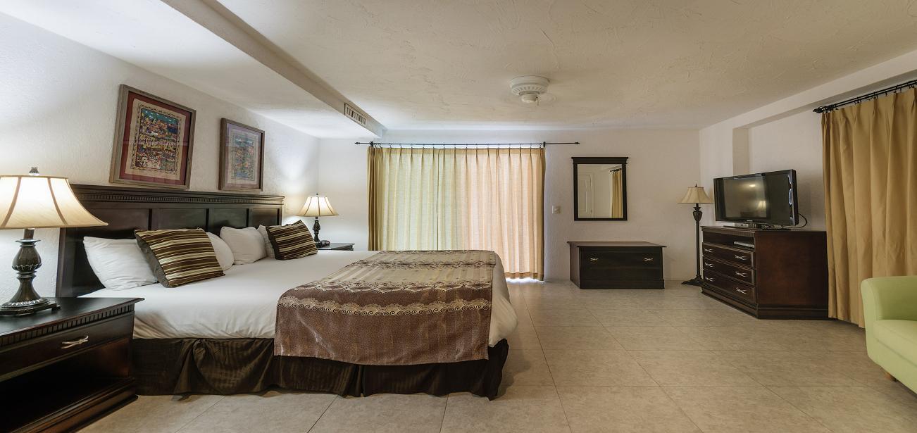 Master Suites in Los Arcos 2CN With Ocean Views