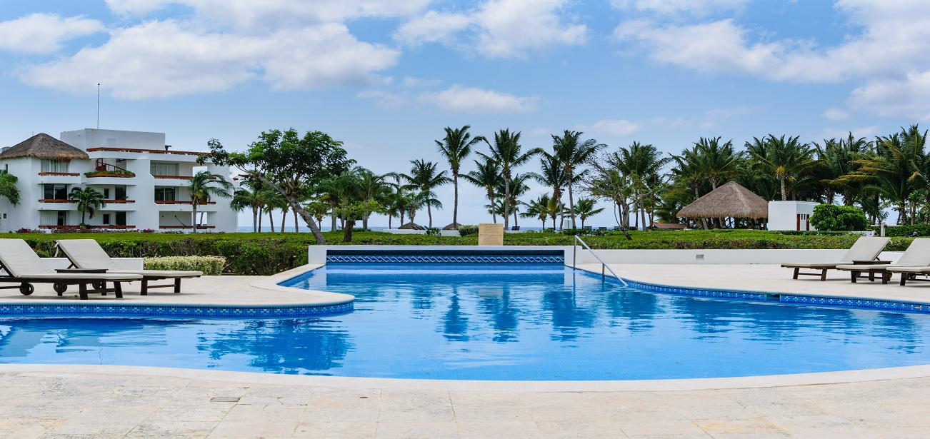 Residencias Reef 7360 Condo with Freshwater Infinity Pool