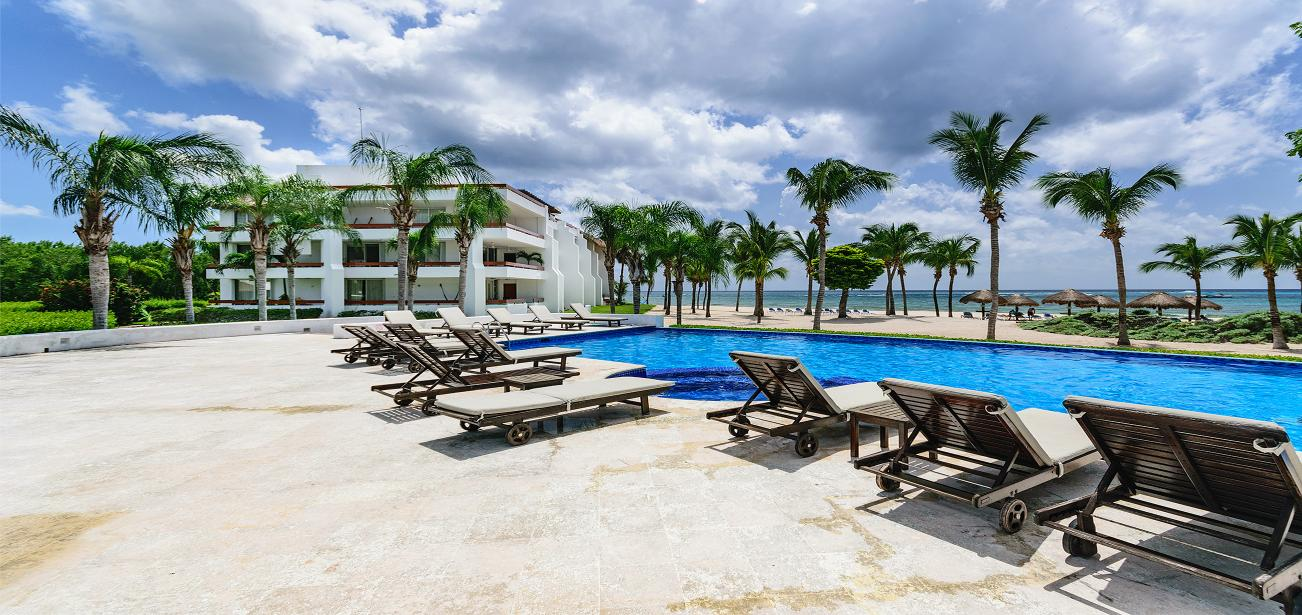 oceanfront rental condo in cozumel Mexico 8340