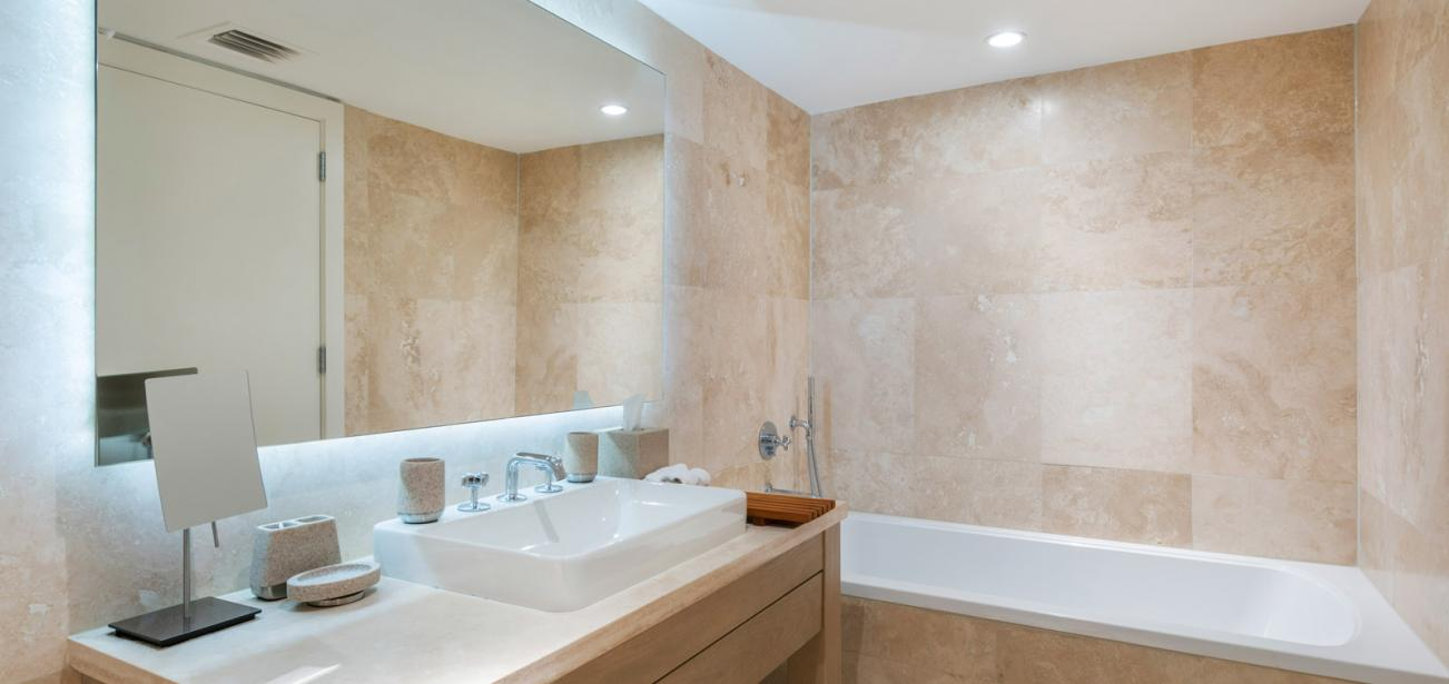 luxury vacation rental condo with top class