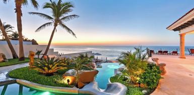 oceanfront villa in Los Cabos