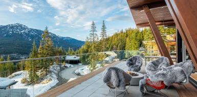 Whistler Canada Luxury Chalet Mountain View ski in holiday home vacation rental