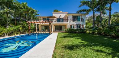 Luxury Villa Casa Jaguar Puerto Avenruras Rental